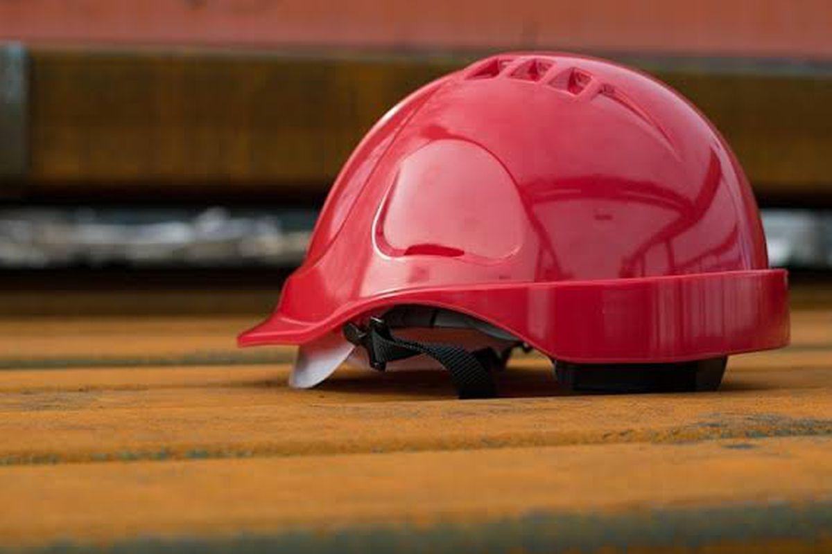 Adquisición de casco de trabajo para incendios estructurales