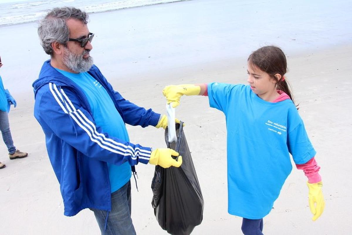 Limpeza de Praia - Caraguatatuba