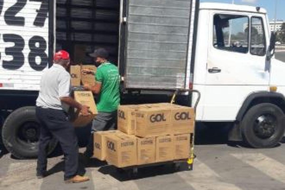 Doação de alimentos empresa área GOL