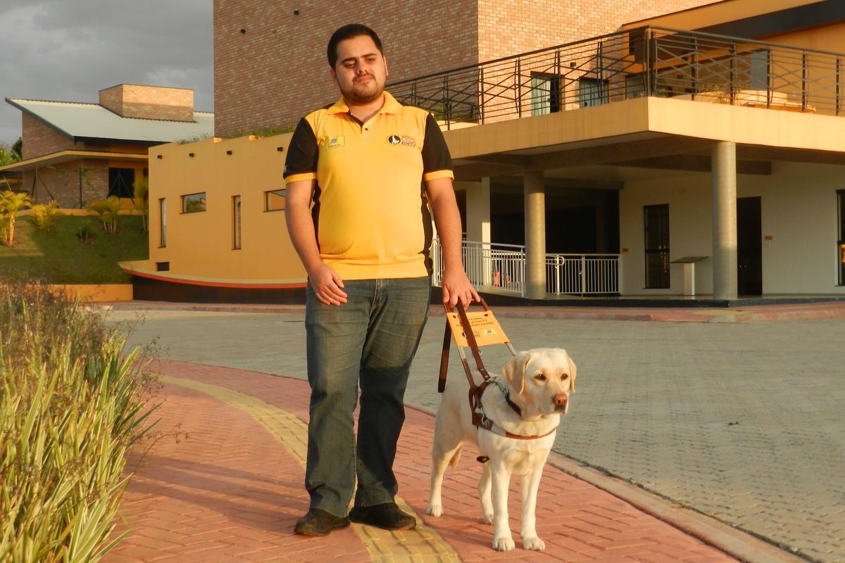 """Quero ser um voluntário no projeto"""" Educação para inclusão: Um olhar para a Vida"""""""