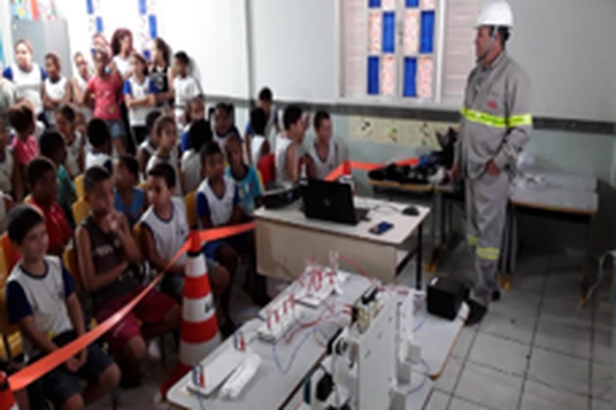 Escola Atílio Vivácqua - CIPA Cachoeiro