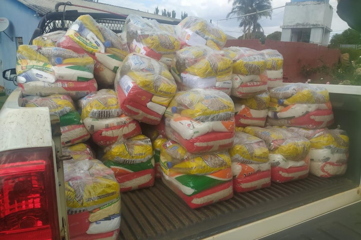 Entrega de cestas básicas Lar da Criança  Patrocínio