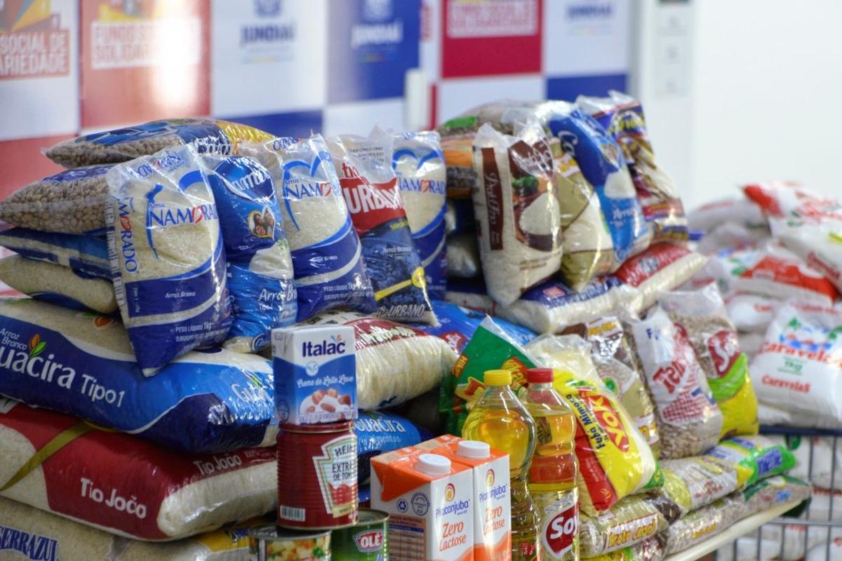 Arrecadação de alimentos para a Casa do Índio (ILHA DO GOVERNADOR RJ)