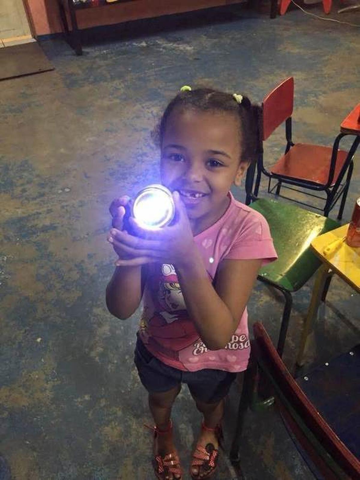 Criação de Lanternas Recicláveis Alternativas