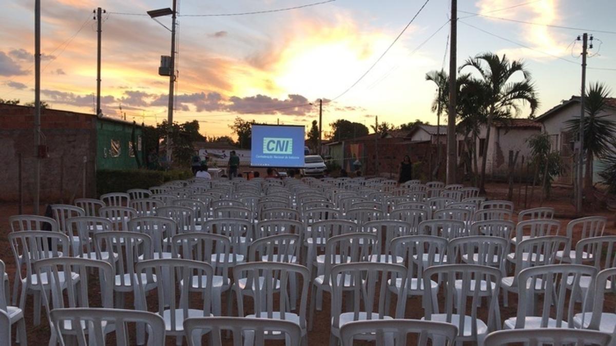 2º Cinema com Estrelas na Praça da Comunidade- Planaltina GO