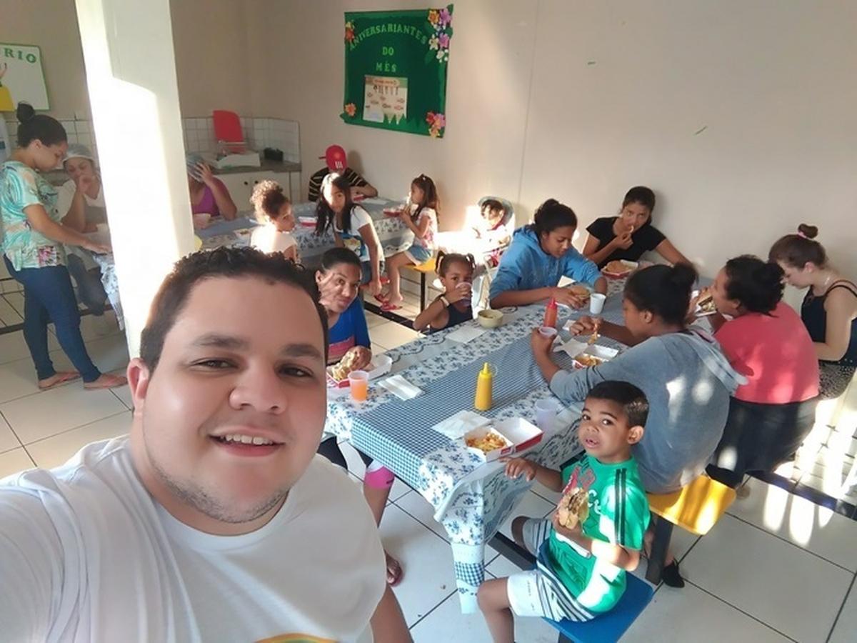 Mc Dia Feliz No Abrigo de Crianças Lar Batista