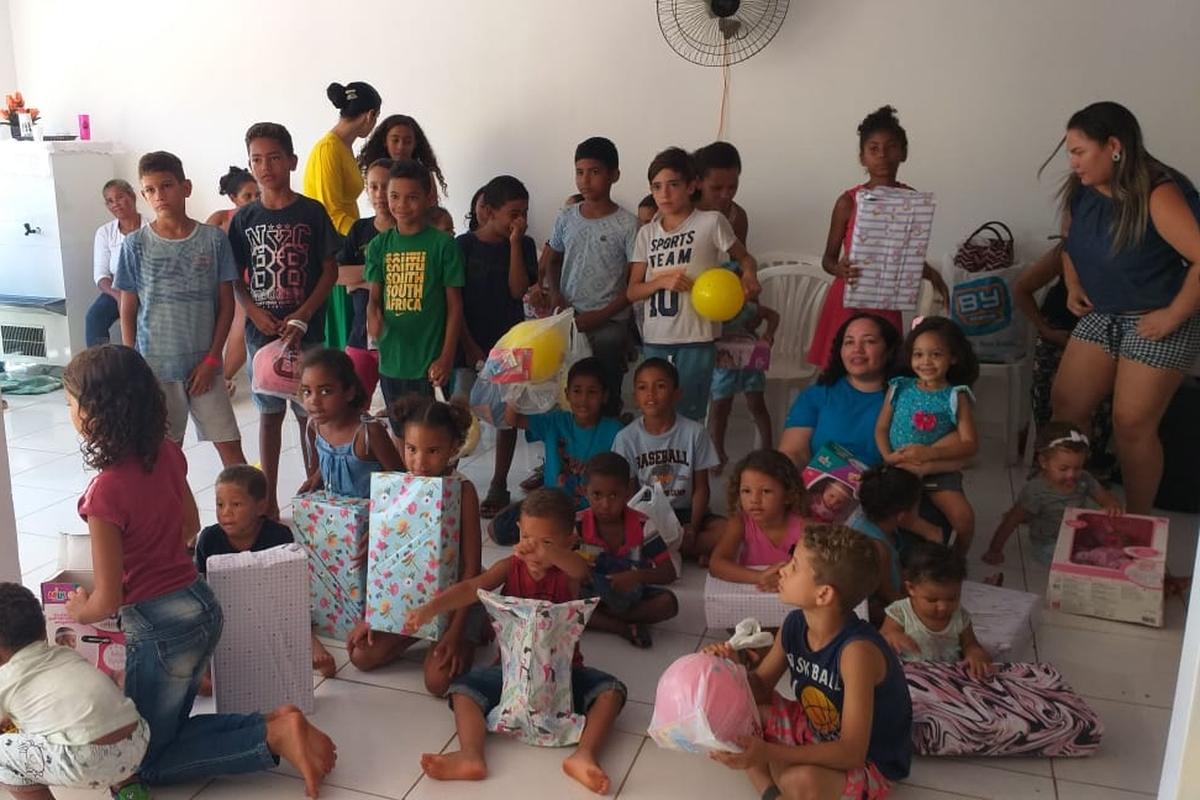 Laguna 01, confraternização com a comunidade de Luzimangues