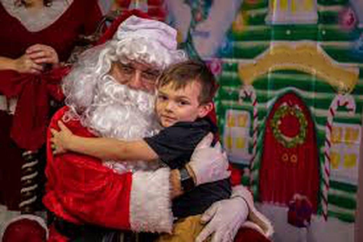 Obsequios de Navidad niños de Kinder y 1º basico