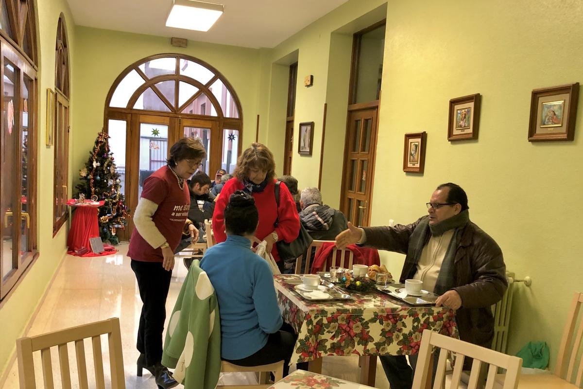 Entrega de regalos a personas sin hogar 6 de enero