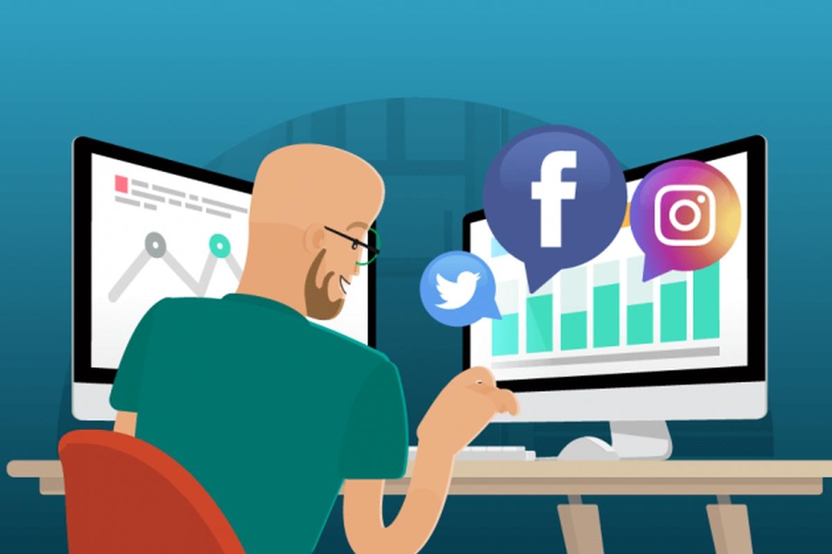 Atualização de redes sociais da instituição