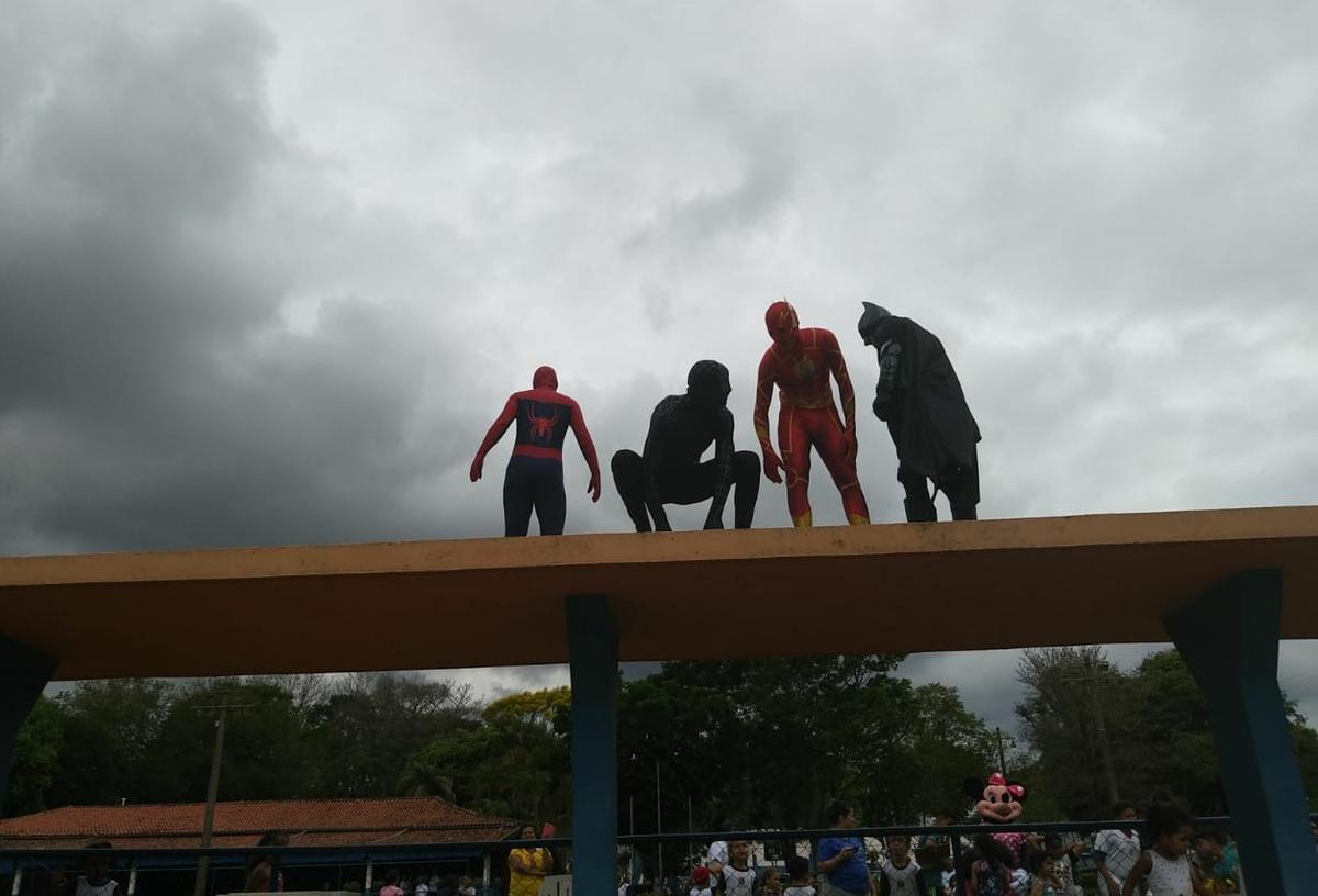 Arrecadação de fundos para Super Heróis - DVT