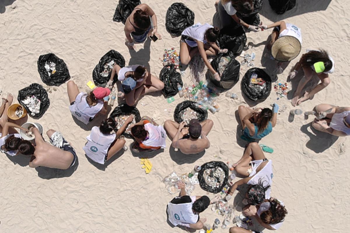 Stand Up para Todos! - Limpeza de Praia