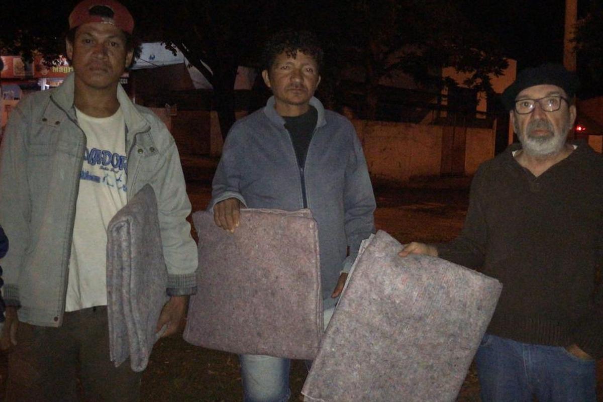 Entrega de cobertores para Moradores de Rua - SRR
